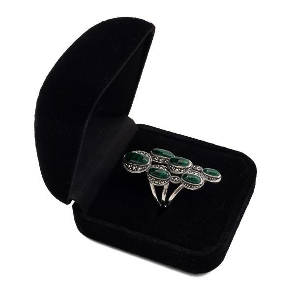Sidabrinis žiedas su malachitu RSA154 dėžutėje kampu