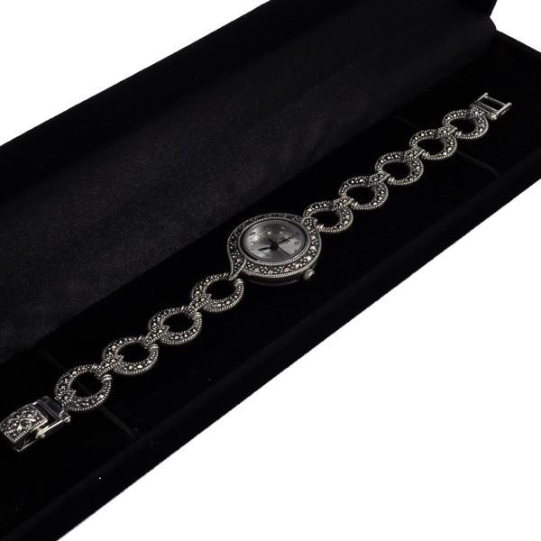 Sidabrinis laikrodis su žvilgančiais markazitais WSA103 dėžutėje kampu