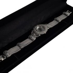 Sidabrinis laikrodis WSA101 dėžutėje kampu